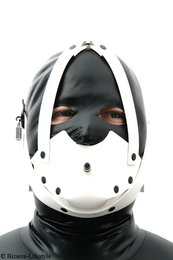 Rubber muzzle white with chinstrap and inflatable gag