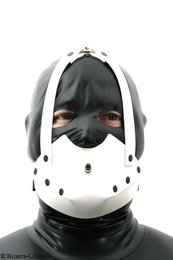 Rubber muzzle white with inflatable butterfly gag option lockable