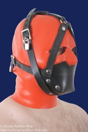 Rubber muzzle with chinstrap